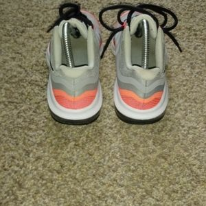 Nike Shoes - PRE-OWNED nike max dynasty 2 SIZE 3.5y 2016
